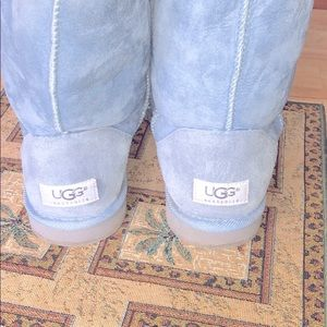 UGG® Classic Short Powder Blue Suede Boots Size W8